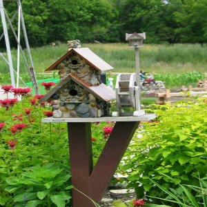 Diy Bird Feeders & Birdhouses For Your Feathered Friends