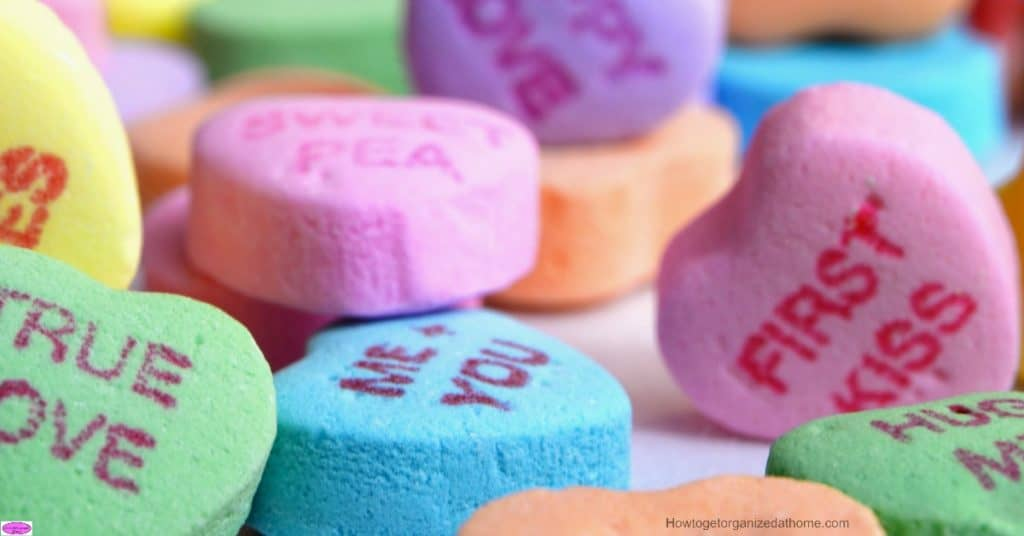 It is important to create a Valentine's Day budget, it will allow you to purchase gifts that you can afford and not break your budget.