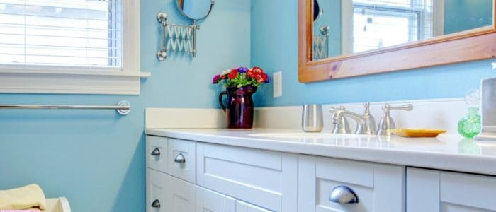 Tips for what you should leave out of the bathroom when it comes to organizing this space!