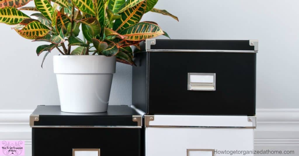 Organize your home with these simple and easy to put into practice tips that will help to simplify your life and your home!