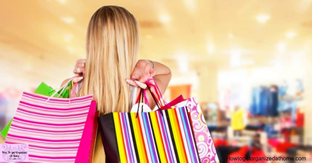 Simple and easy tips to save money on Black Friday!