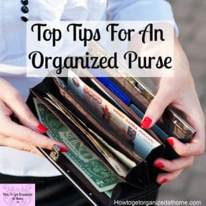 Keeping your bag organized and clean is important and it doesn't take long to complete! Use these simple tips and ideas for a clean and organized purse every day!